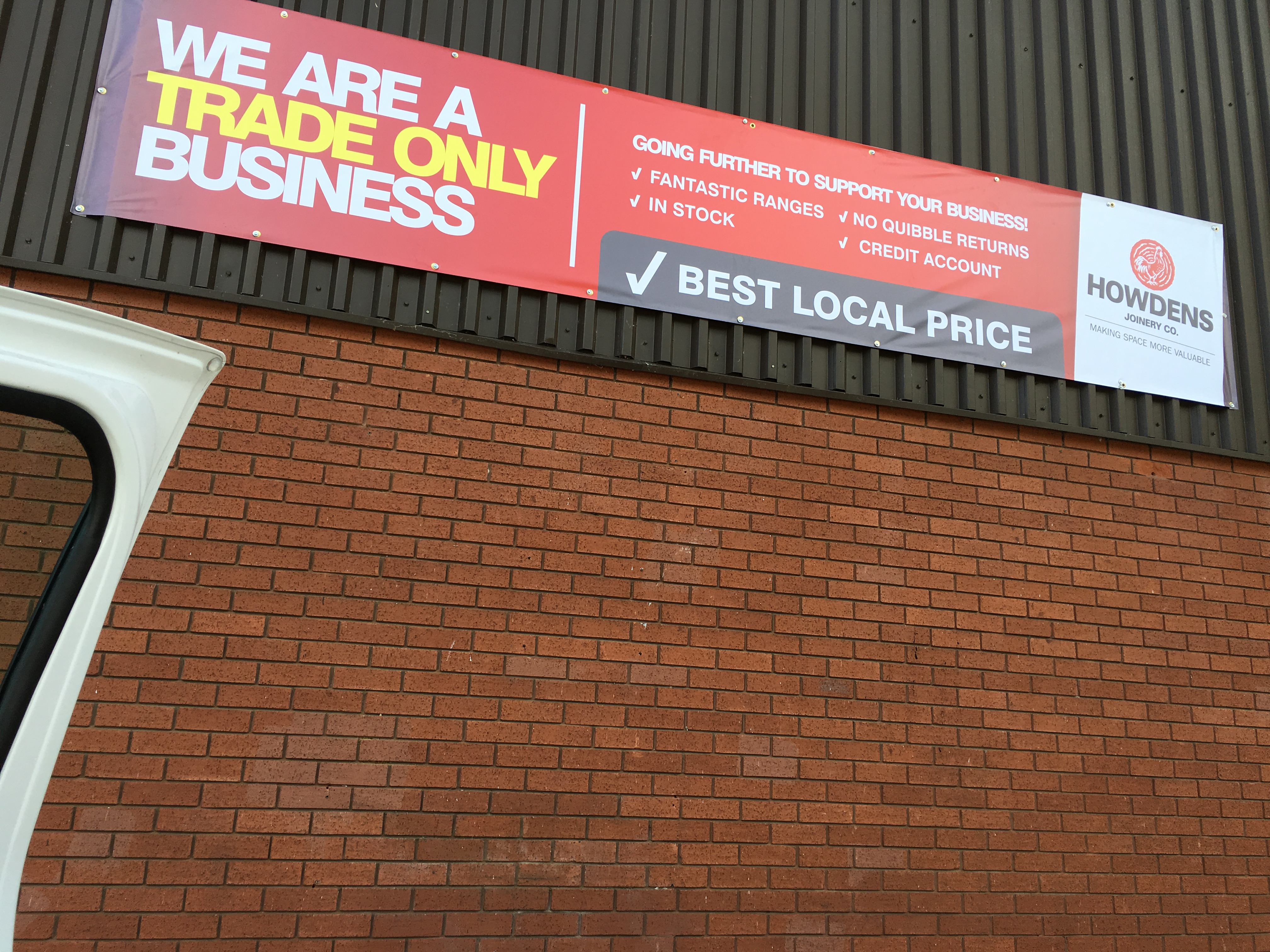 HOWDENS JOINERY ADVERTISING