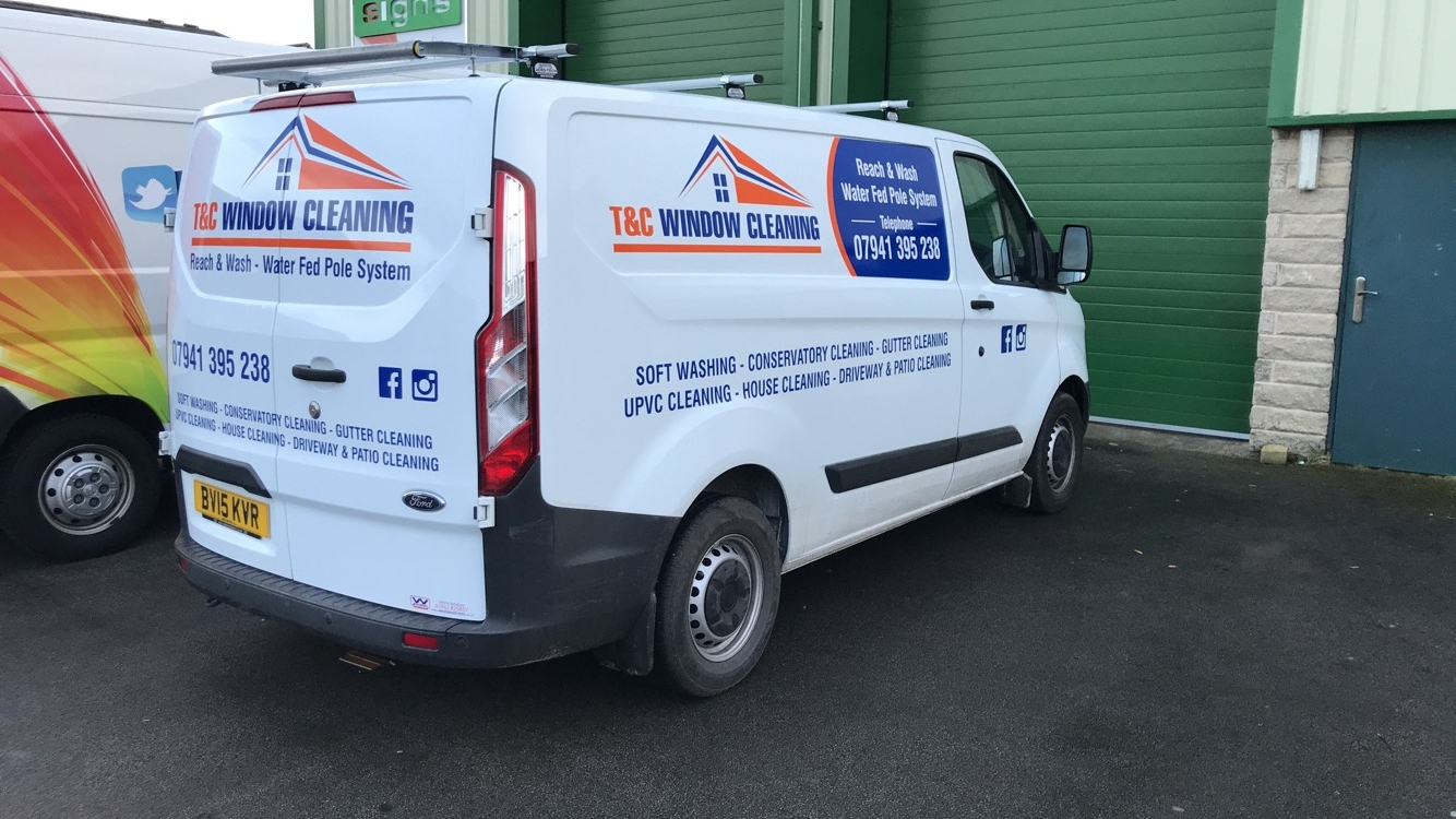Window Cleaning Vehicle Graphics